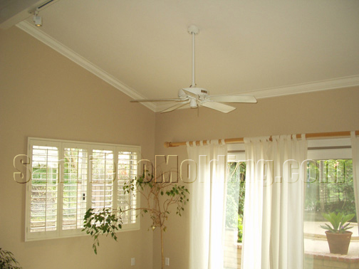 Crown molding on ceilings quotes for What is a vaulted ceiling